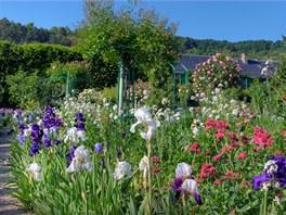 Rozkvetlá zahrada Clauda Moneta
