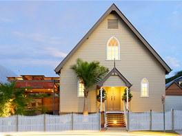 Místní realitka Churchill Real Estate aktuálně nabízí dům v přepočtu za 13,5 milionu korun.