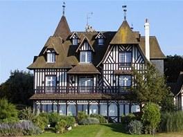Francouzské letovisko Deauville v Normandii se stalo předlohou uměle vybudovaného luxusního městečka nedaleko Moskvy.