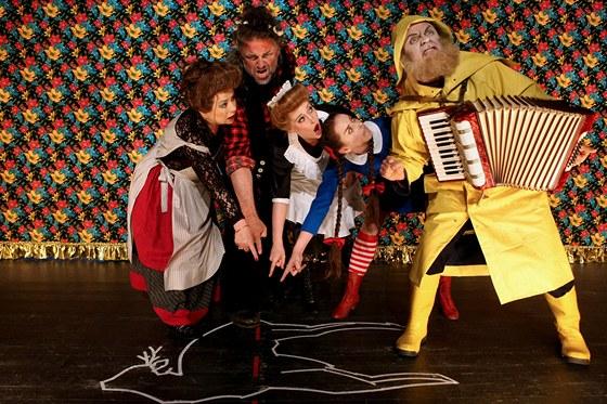 Přehlídka Theatertreffen 2011 - inscenace hry Gerharta Hauptmanna Bobří kožich
