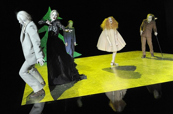 Přehlídka Theatertreffen 2011 - inscenace hry Henrika Ibsena Nora aneb Domov loutek