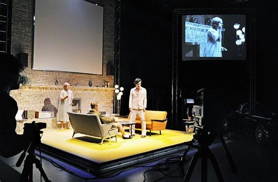 Přehlídka Theatertreffen 2001 - Arthur Miller: Smrt obchodního cestujícího