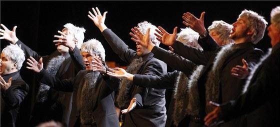 Mimořádný hudebně-taneční projekt Písně tance a lásky shlédli v sobotu návštěvníci festivalu Smetanova Litomyšl.