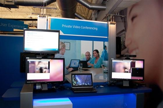 Privátní videokonference - koncept pro kancelář budoucnosti z laboratoří společnosti Intel
