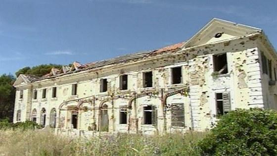 Letovisko v Kupari, Chorvatsko, Karel Pařík, 1913 – patřilo českému státu, ale bylo znárodněno a takto dopadlo.