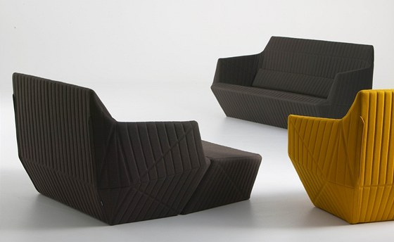 Facett: soubor sedacích prvků, dokonalá čalounická práce, snímatelný potah.