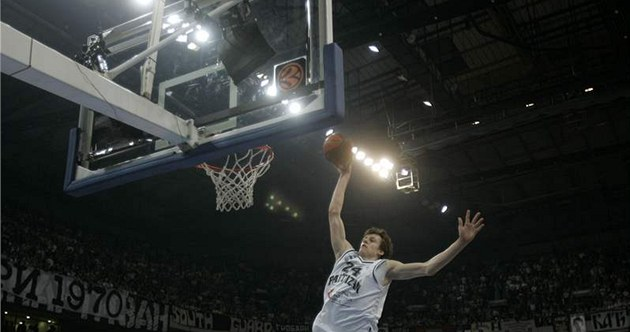 CO P�EDVEDE V NBA? Jan Veselý takhle sme�oval za Partizan. A ve Washingtonu?