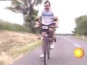 Svoje horské kolo si Václav Imrich prozíravě upravil na cesty do práce už před osmi lety.