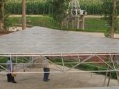Prototyp jednoho ze 4 400 hliníkových panelů teleskopu FAST