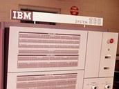 IBM System 360 vyvinutý v letech 1961 - 1965