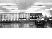 První elektro-mechanický počítač, IBM Harvard Mark I, sloužil americkému námořnictvu během druhé světové války