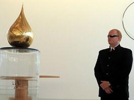 Zlatá slza a muži v černém na výstavě v Litomyšli