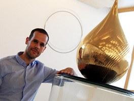 Zlatá slza a její autor Federici Diaz na výstavě v Litomyšli