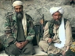 Usáma bin Ládin na archivním snímku z roku 2001