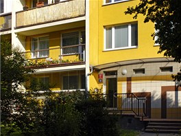 Dům na Proseku v Českolipské ulici, kde ve třetím patře bydlel Václav Klaus.