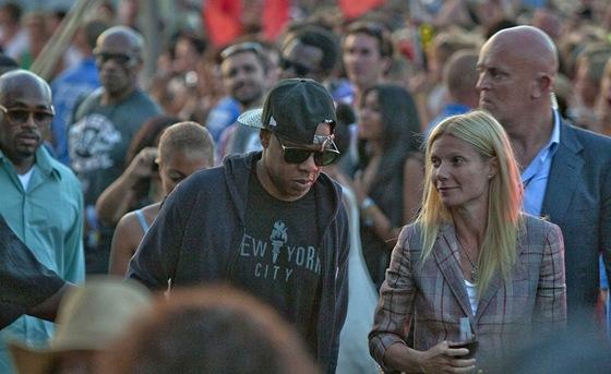 Glastonbury 2011 - Gwyneth Paltrowová s raperem Jay-Z