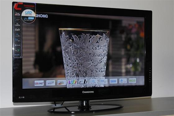 Montáž LCD televizorů v továrně Changhong: hotový televizor.