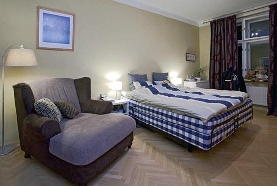 Luxusní postel Hästens si Boučkovi pochvalují.