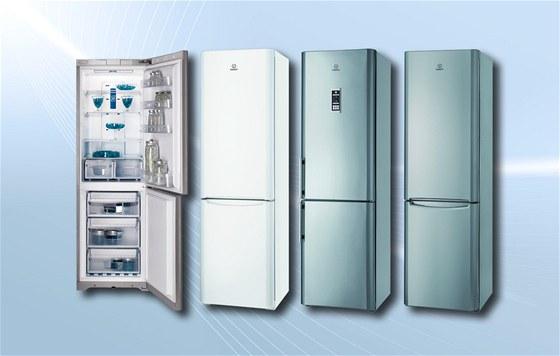 Lednice Indesit Icon jsou k dostání v několika barvách, kromě klasické bílé se nabízí také stříbrná a nerezová.