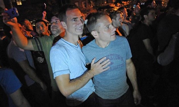 Soud povolil s�atek prvním brazilským homosexuál�m (ilustra�ní snímek)