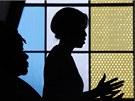 Michelle Obamov� promlouv� v kostele Regina Mundi v Soweto k mlad�m Jihoafri�ank�m, kter� by se mohly st�t politi�kami (22. �ervna 2011)