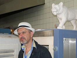 Daniel Piršč u pece ve své dílně