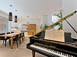 Klavír představuje důležitou součást života celé rodiny.