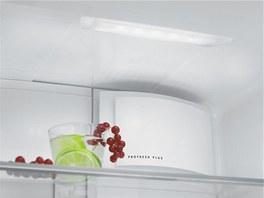 Osvětlení interiéru chladničky AEG zajišťuje moderní a kvalitní LED světlo.