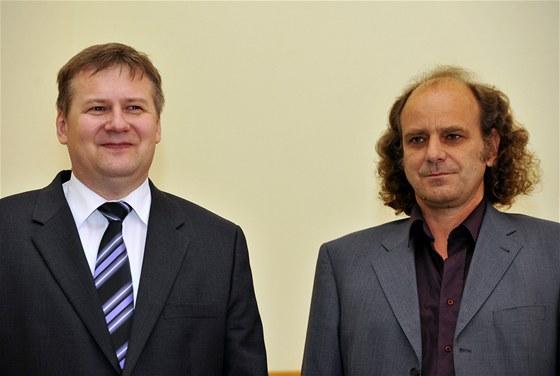 Expert na fotoniku Jiří Homola (vlevo) a fyzikální chemik Martin Hof (vpravo)
