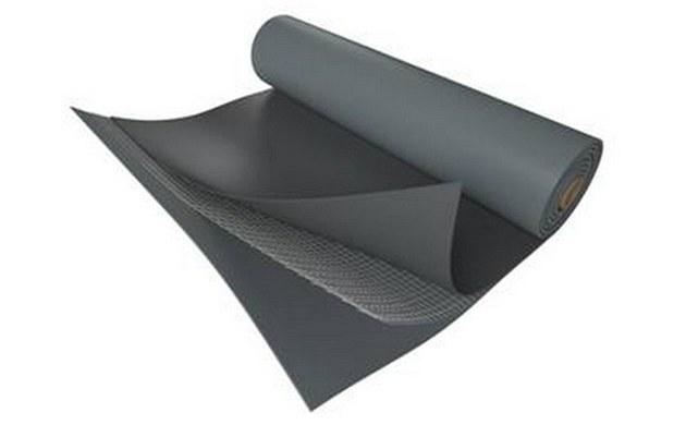 Základní hydroizolační fólií pro ploché střechy je FATRAFOL 810.