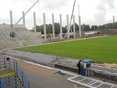Stavba nov�ch tribun na stadionu ve �truncov�ch sadech v Plzni