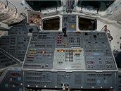 Řídící stanoviště raketoplánu Discovery
