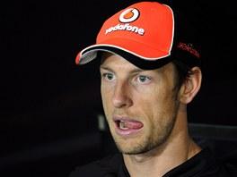 TU�EN� DE�T�. Jenson Button jako�to Brit patrn� tu��, �e tr�nink na Velkou cenu