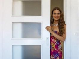 Posuvné dveře šetří v malých bytech místo.