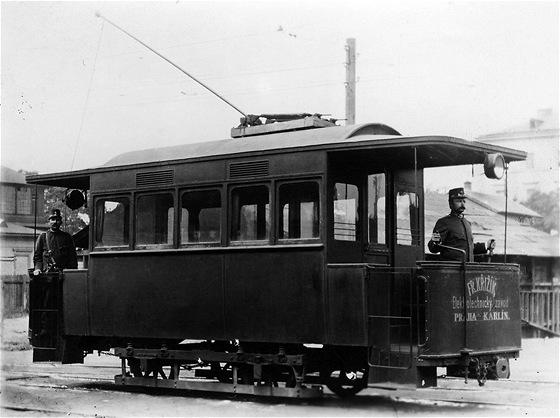První český zavřený motorový vůz elektrické dráhy byl pro letenskou dráhu