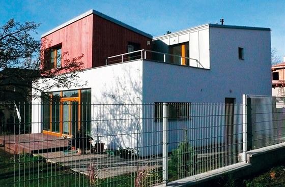 Rodinný dům v Brandýse – moderní architektura s nízkým rozpočtem