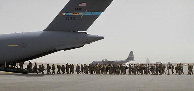 První ameri�tí vojáci opou�t�jí Afghánistán. Tyto jednotky u� armáda USA
