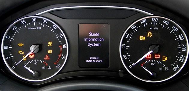 Kontrolky u dieselového vozu. Na rozdíl od benzi�áku je zde d�le�itá kontrolka