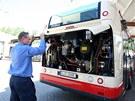 Dopravní podnik Jihlava na pravidelné linky MHD ve městě nasadí postupně celkem deset ekologických autobusů. Pro jejich provoz musel zřídit také plnící stanici CNG (12. červenec 2011).