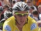 Stanislav Kozubek ve žlutém trikotu pro prvního muže Czech Cykling Tour.