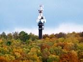 Telekomunikační a vyhlídková věž na Vrátenské hoře u Mšena