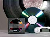 MiniDisc opouští řady používaných médií a přidá se k disketám (Sony je přestalo