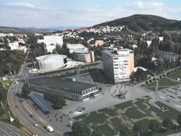 Studie přestavby náměstí Práce ve Zlíně podle Evy Jiřičné a jejího studia Al