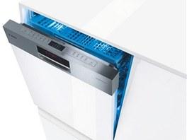 Poslední generace myček od firmy Bosch s názvem ActiveWater Eco2; kombinuje