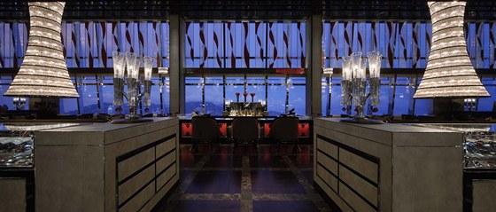Preciosa vyráběla pro hotel i další designová svítidla.