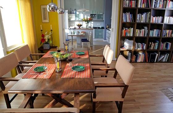 Jídelní stůl v této rodině opravdu nezahálí. Při velkých rodinných sešlostech