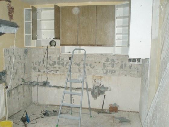 Při rekonstrukci zůstaly na původním místě pouze horní skříňky.