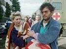 Vukovar, listopad 1991. Srbov� po dobyt� m�sta odvlekli  264 pacient� m�stn� nemocnice na prase�� farmu, kde je mu�ili a popravili.
