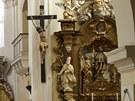 Interiér kostela v Trmicích
