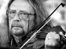 Jiří Kabeš, violista a zpěvák undergroundové skupiny The Plastic People of the